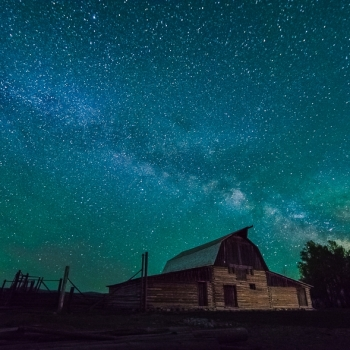 Milky-Way-Rising-over-Moulton-Barn-00845